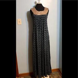 Mothers en Vogue Dresses - Mothers en Vogue ~ Long Design Nursing Dress